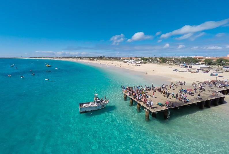 Direct Access To Santa Maria's Golden Beach