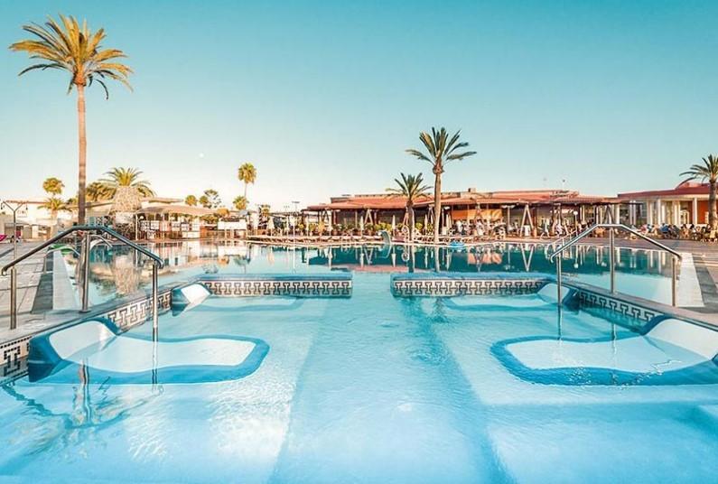 7 nights in sunny Gran Canaria