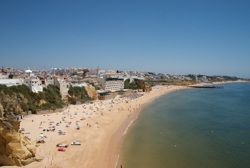 Stay In A Central Location, Albufeira, 3* Self Catering
