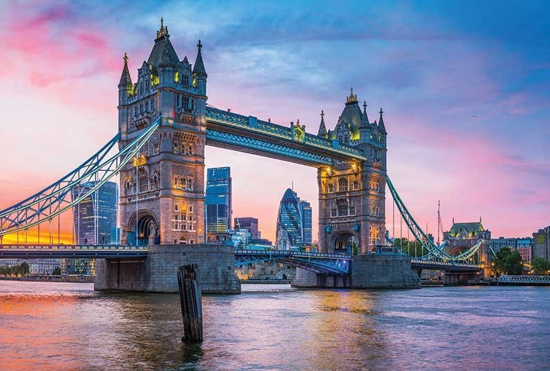 2 nights in London with FREE dinner included!