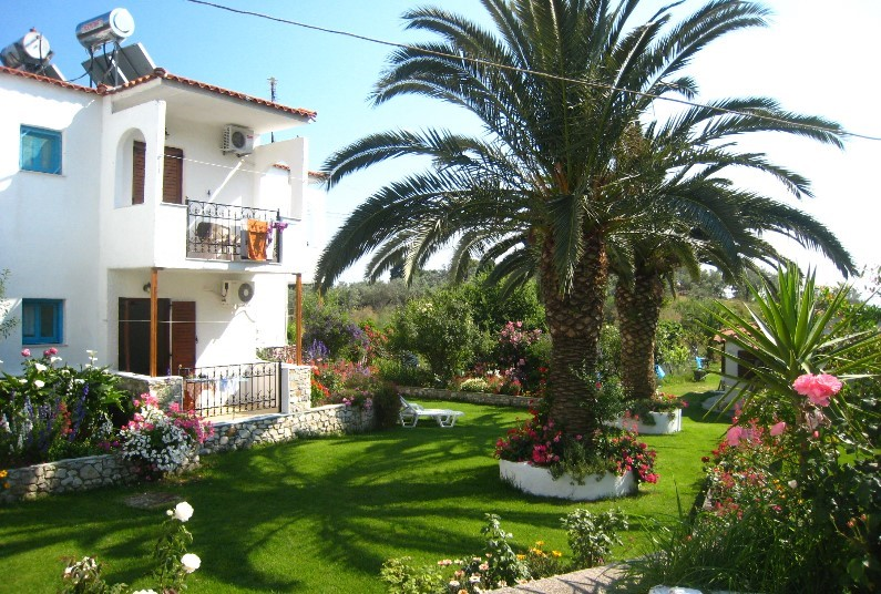 Savings of up to 50% off your Skiathos holiday
