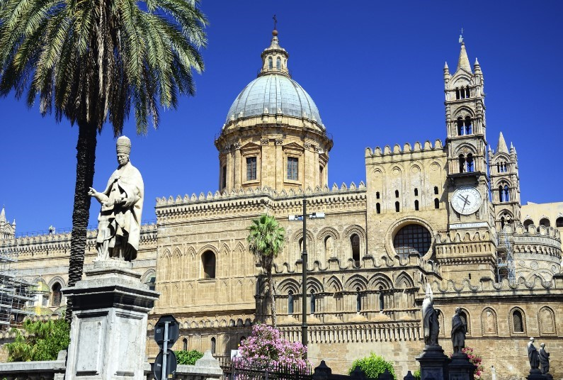 Stay Right In The Heart Of The City Of Palermo, 7 Nights