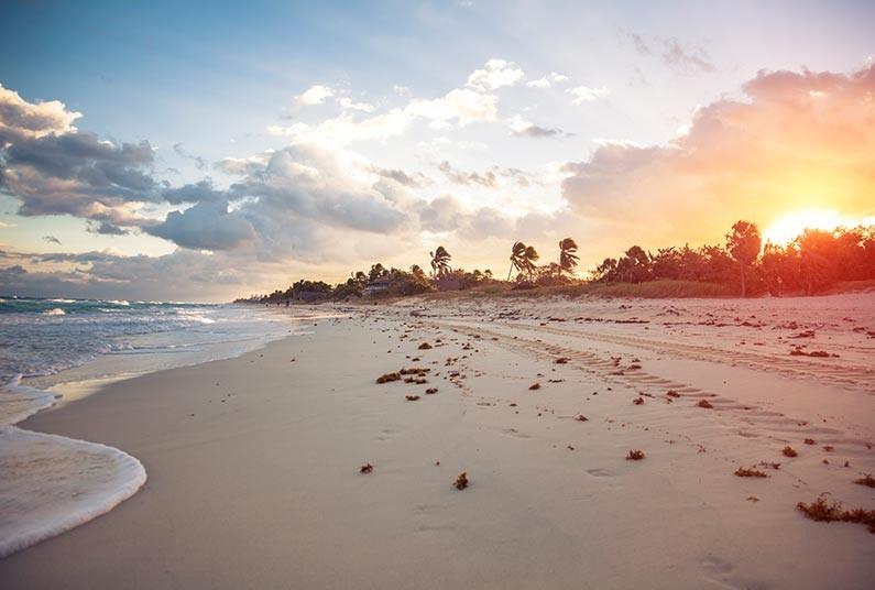 Sightseeing in Havana plus Cuba Beach Vibe