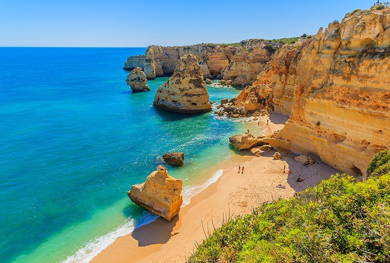 7 night holiday in sunny Portugal