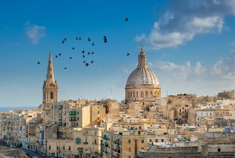 3 nights Bed and Breakfast Sliema – FREE upgrade