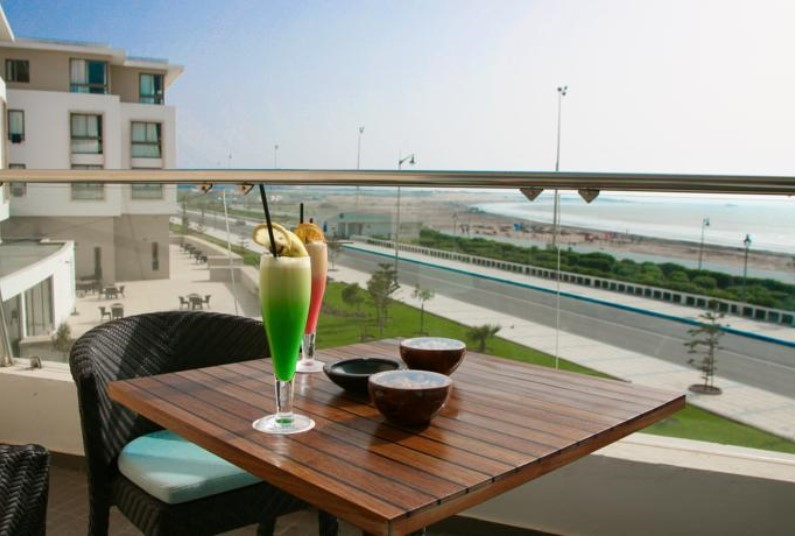 Seafront Hotel & Spa