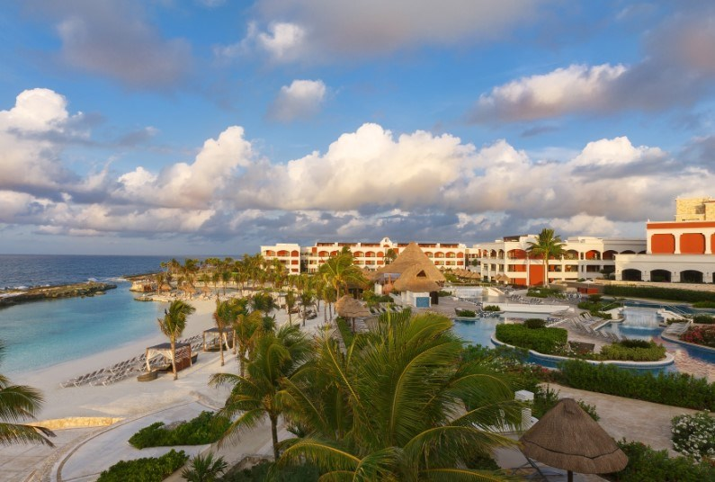 ALL INCLUSIVE CANCUN - SAVE UP TO 51% PLUS RESORT CREDIT!