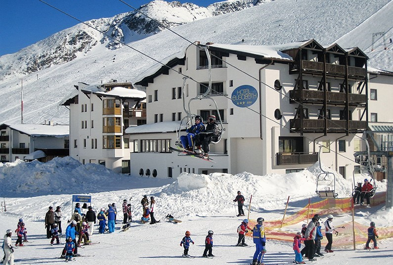 The Ultimate Resort In Skiing Convenience