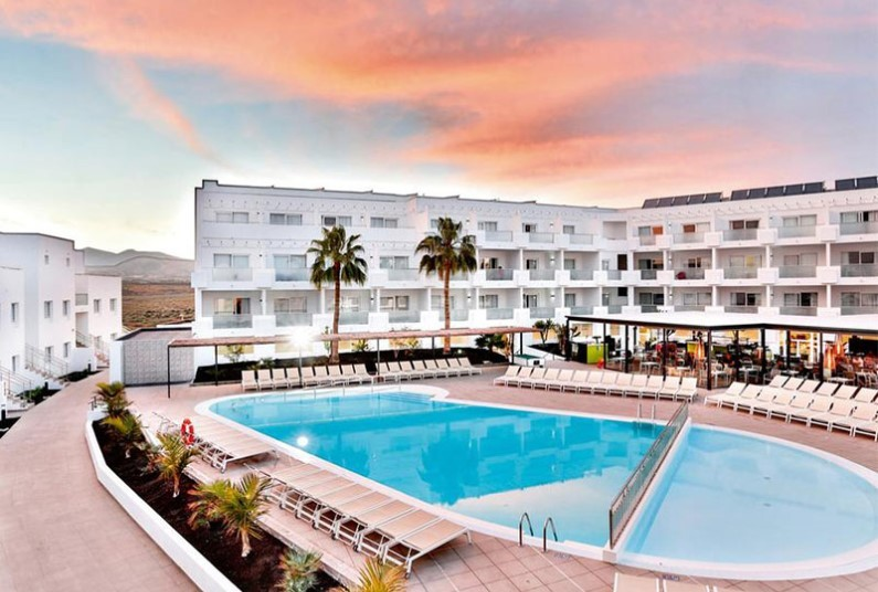 Late deal on family holiday in Lanzarote