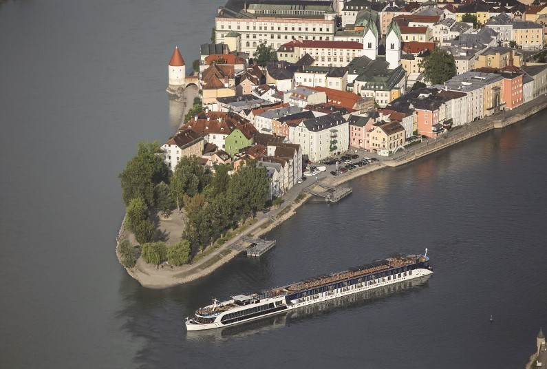 Fly for free on Danube cruise