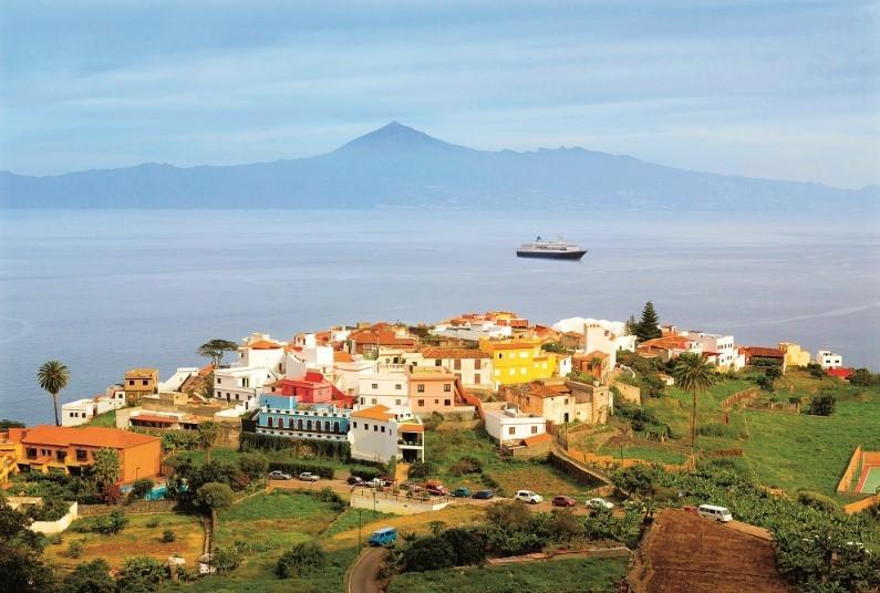 1 night hotel and 7 night Canary cruise
