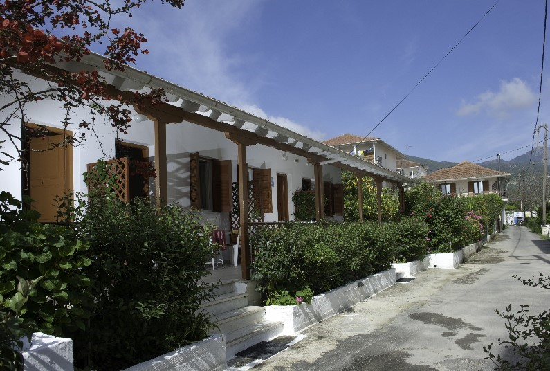 Daglas Studio, Nidri
