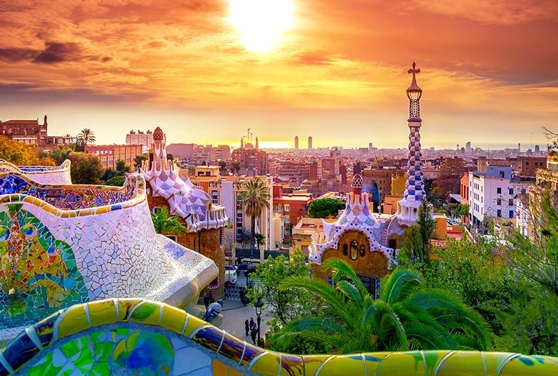 See the Best of Buzzing Barcelona