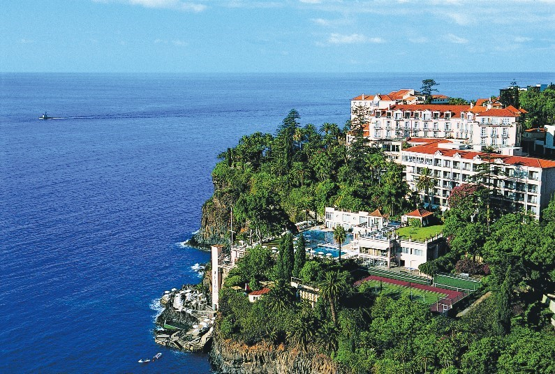 7 nights B&B Funchal, Madeira