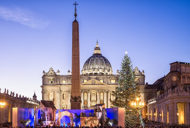 Enjoy Christmas Markets in Rome