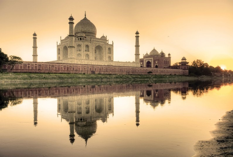FREE Upgrade to Premium Economy on India Tours