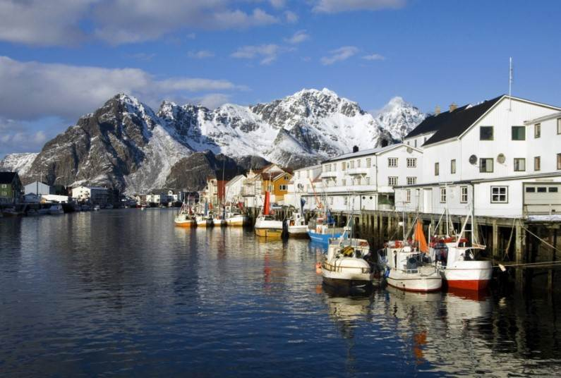 Explore the Lofoten islands, Northern Norway