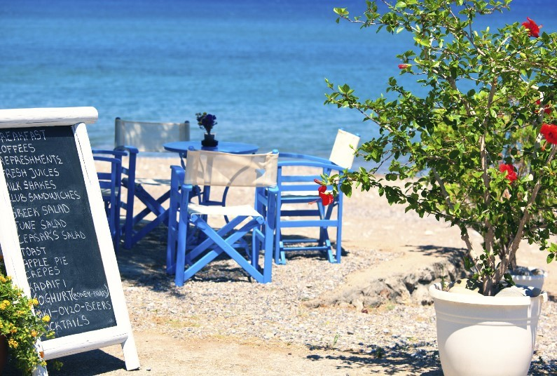 5 Night Short Break, Excellent Location At Alimos Beach