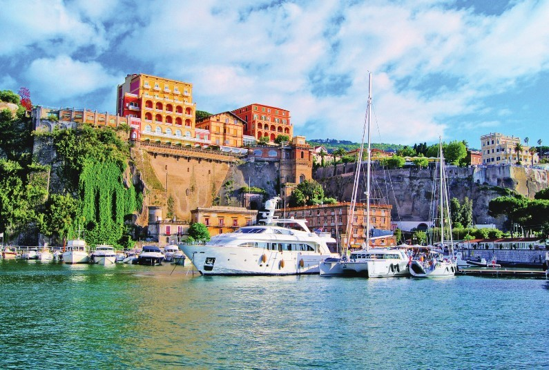 Save £50 per couple with this Sorrento offer