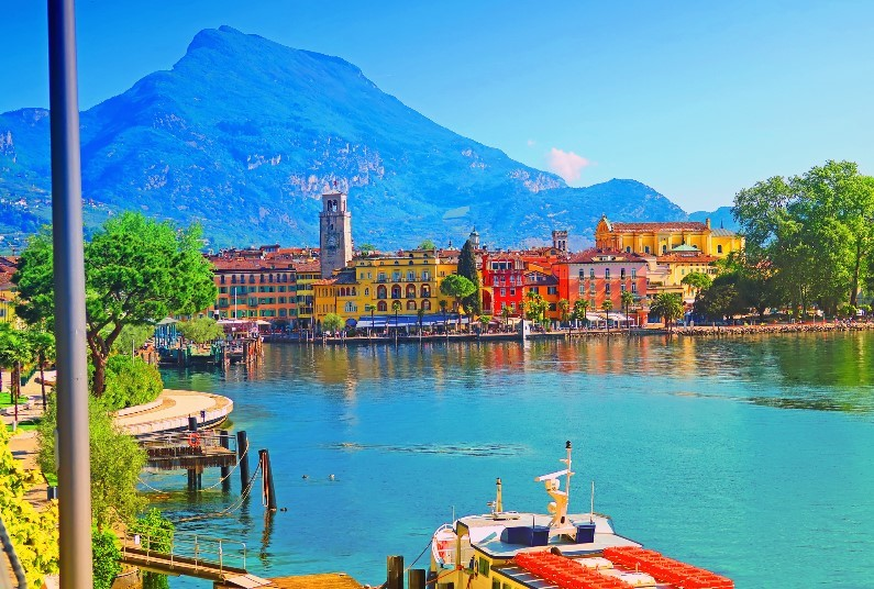 Visit the Italian Lakes & Mountains