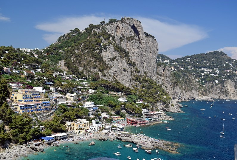 Spend 5 Nights In The Heart Of Capri