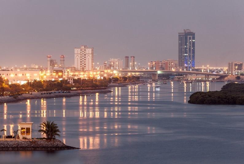 This 5* Hotel Overlooks The Arabian Gulf
