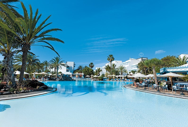 7 night sunshine holiday in Lanzarote