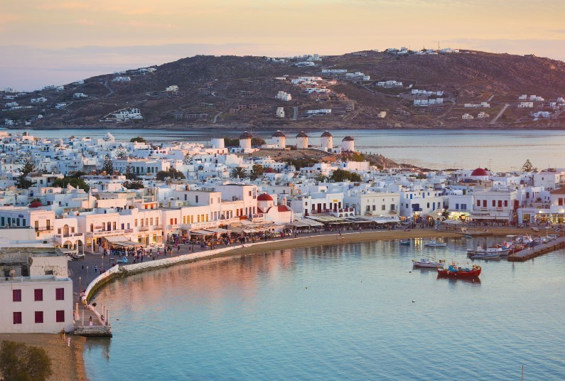 Fly & Cruise This Summer Around The Greek Islands