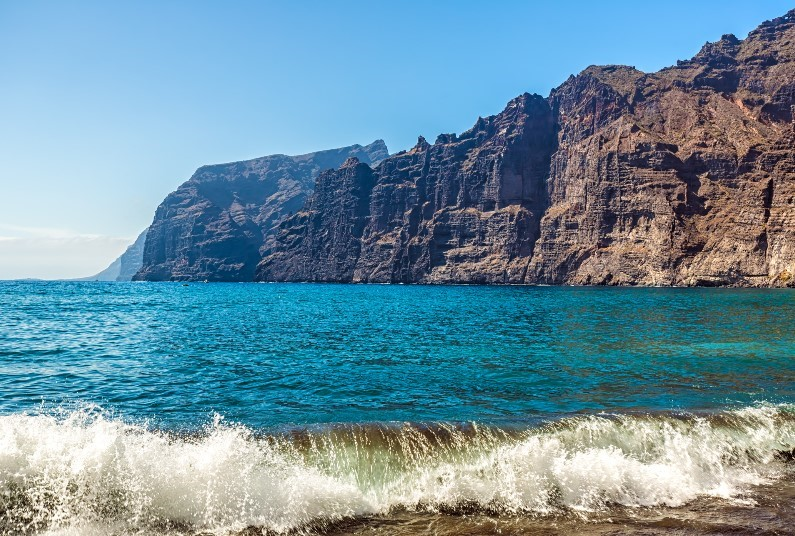 Fabulous Late Deal, Los Gigantes, Self Catering