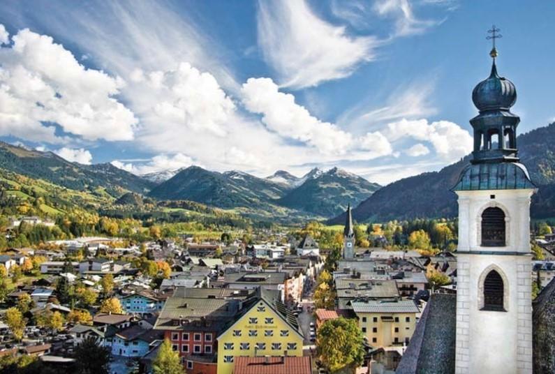 Coach Break, Stay In True Tyrolean Style
