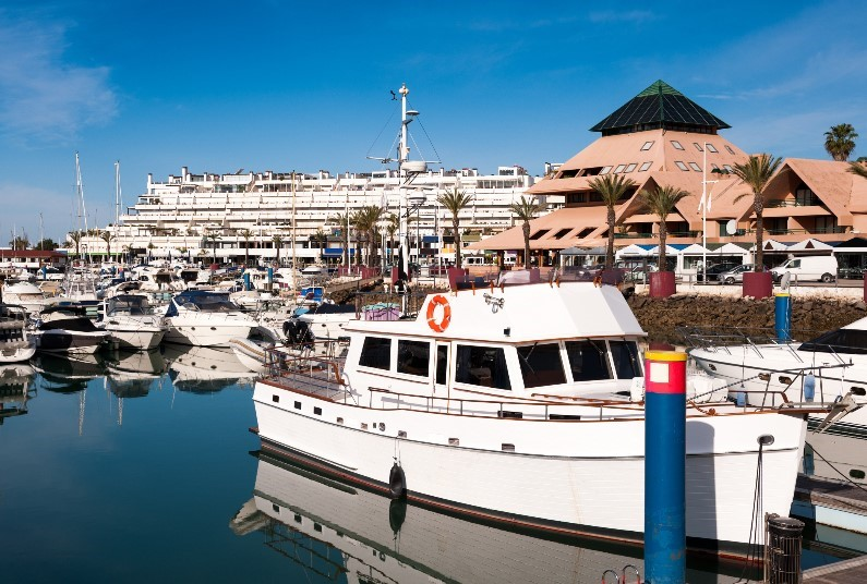 Spend 10 Nights On The Algarve