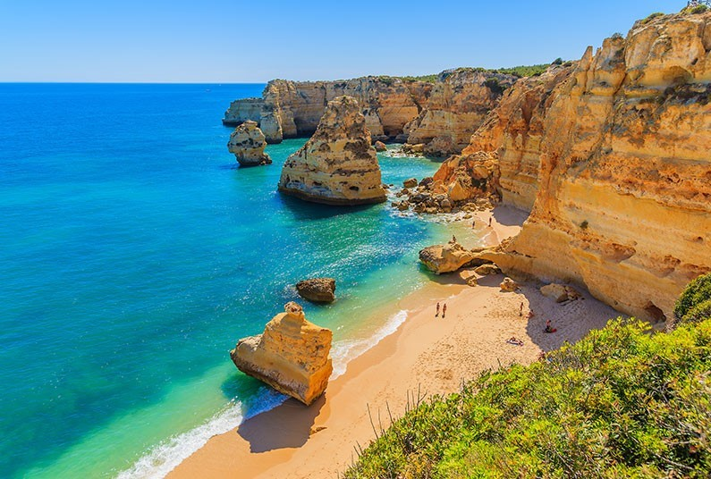 7 night self-catering sunshine holiday in the Algarve