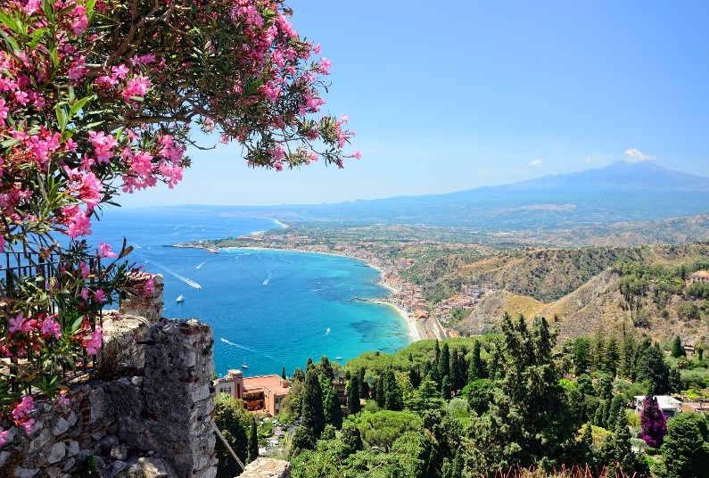 Last Minute Summer Escape In Taormina