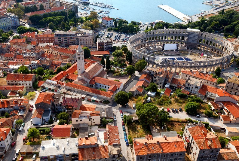 Spend A Week In Pula, 4* Hotel