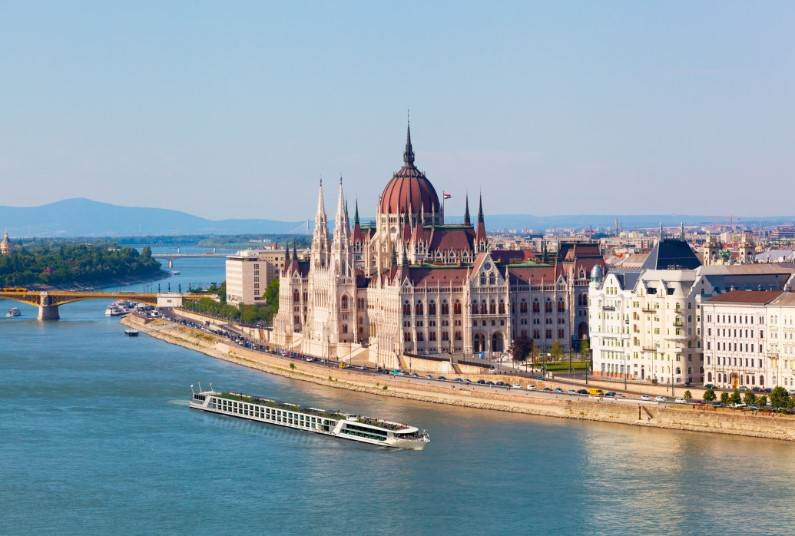 9 days Eastern Europe river cruise