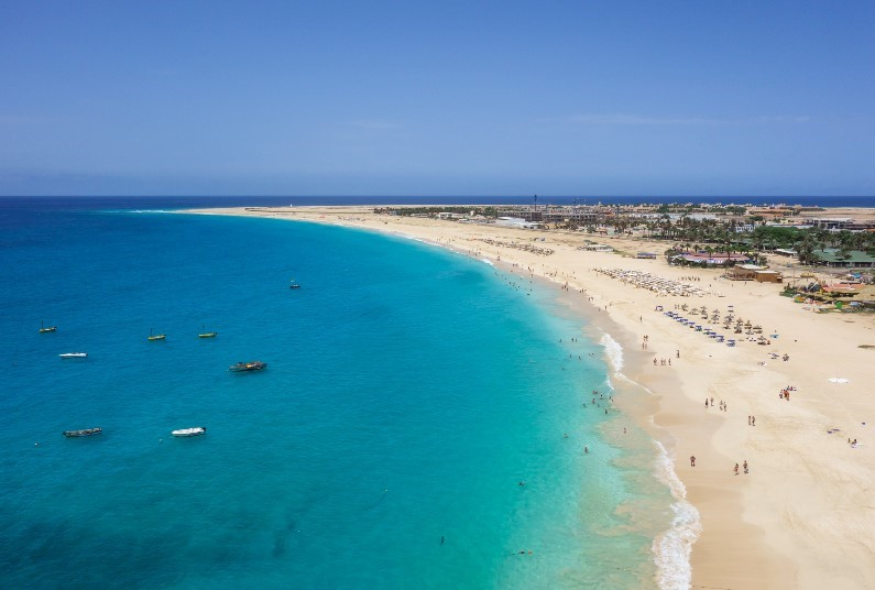 Direct Access To Santa Maria's Golden Beach
