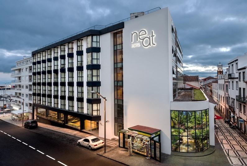 Neat Avenida Hotel